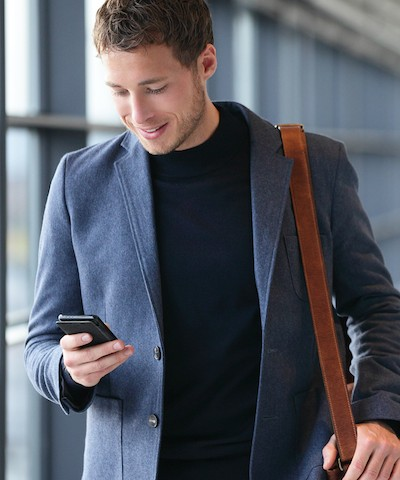 smartphone-young-man